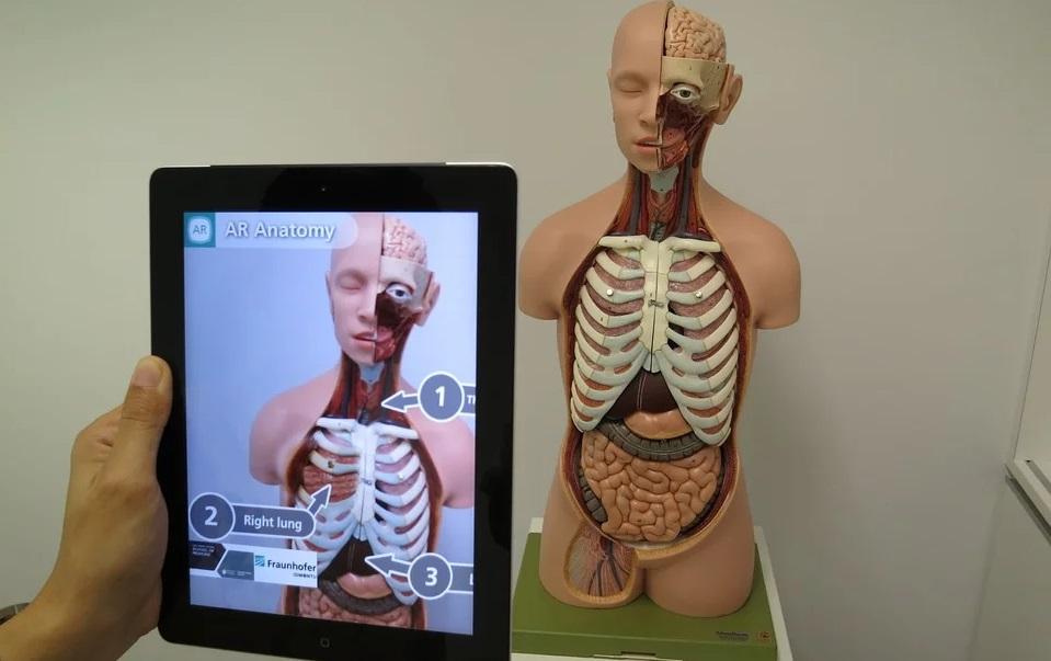 ▷ La realidad aumentada en medicina salva y mejora vidas - IAT